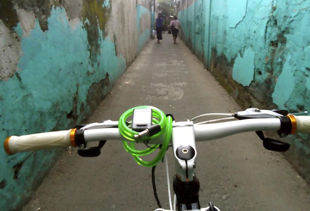 cycling Jakarta.