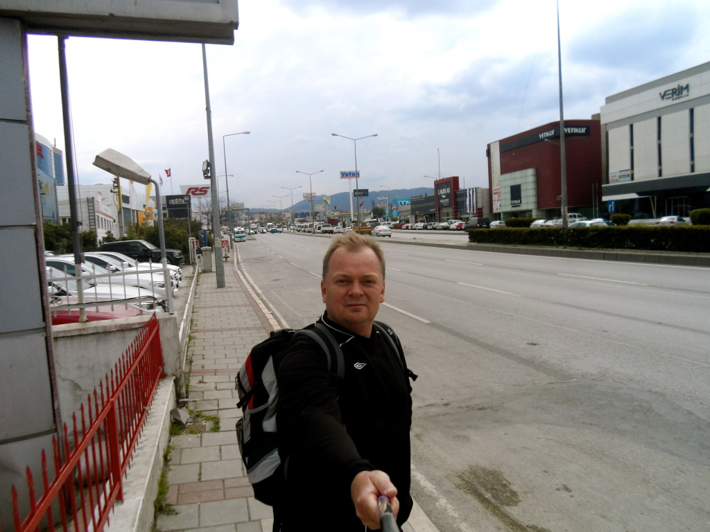 Walking ti Izmir Airport.