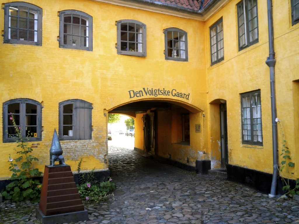 Hans Christian Andersen couchsurfed here and fell in love with the girl in the house.