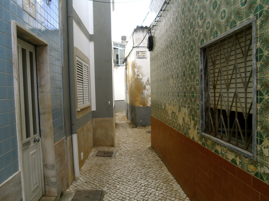 he streets of Olhao.