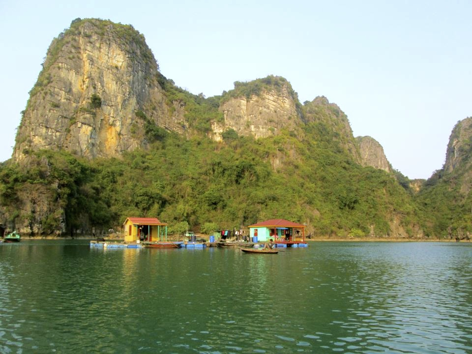 Tips and advice for visiting Halong Bay. - Travelling Claus