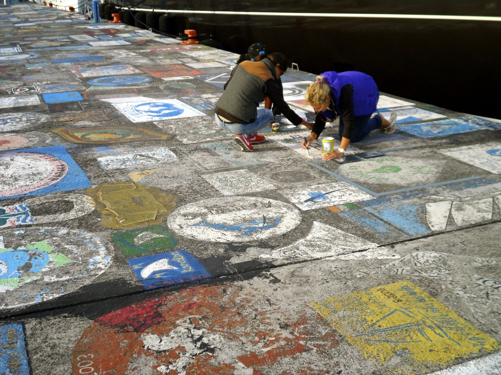 Sailors decorating the pavement, before going to Peters Bar.