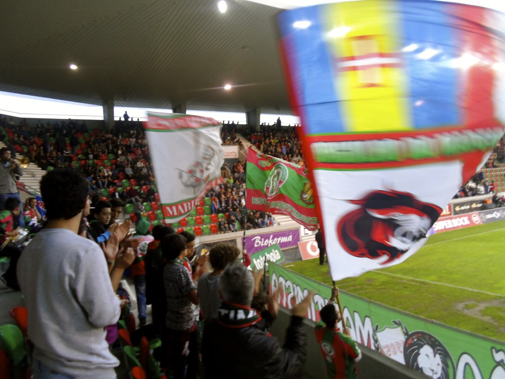 Maritimo fans.