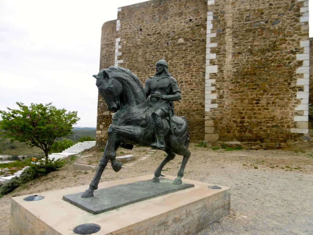 Statue of Ibn Qasi.