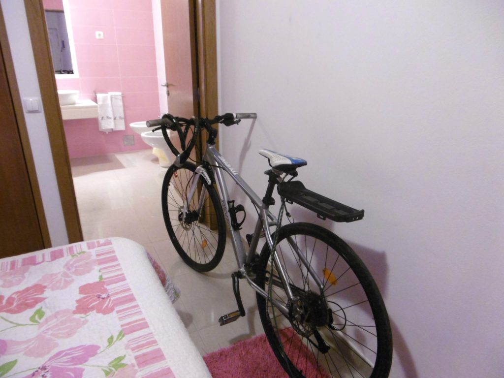 And space for my bicycle in a portuguese hotel room.