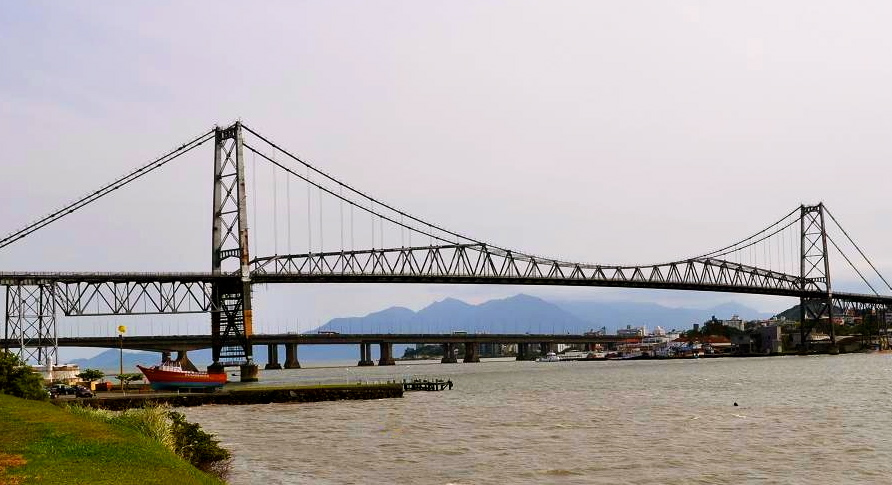 The bridges leading over to Florianopolis.
