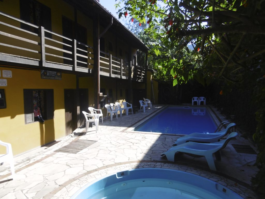 Nice pool area at Maresias Hostel.