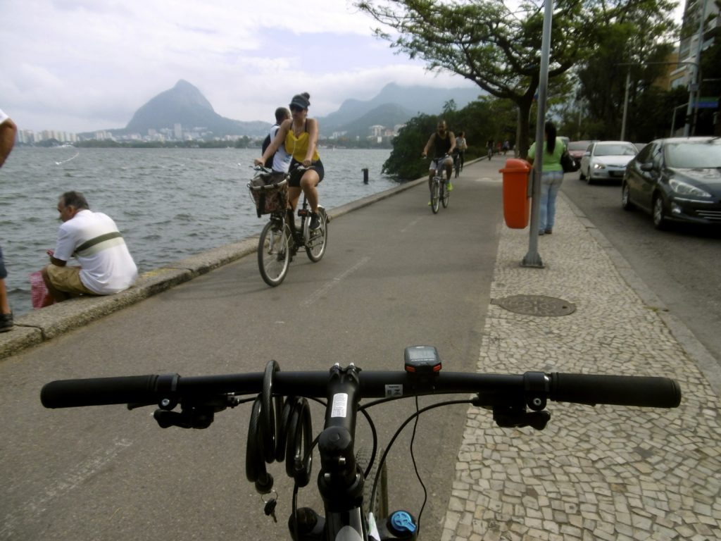 Cycling around Lagoa.