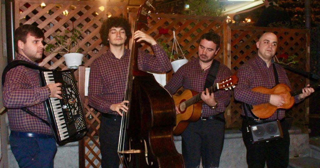 Live music in Skadarlija Street.