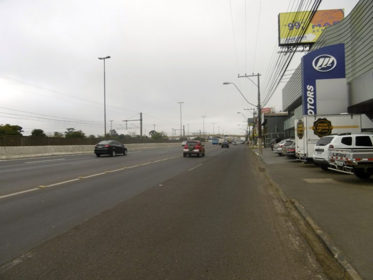 Cycling out of Porto Alegre.