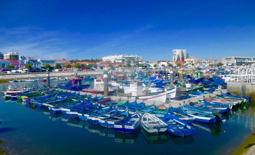 I have never seen the fishing harbour on any bucket list. But it's one of my favourite place in the world.