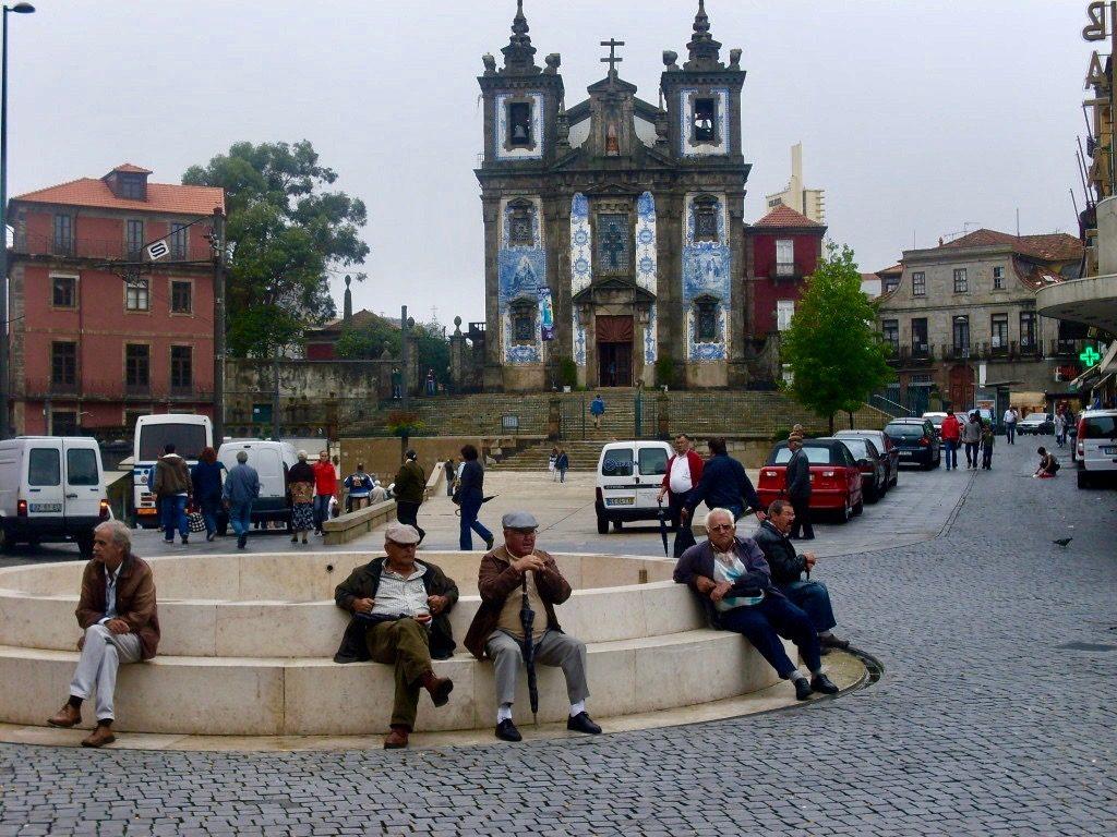 Porto is a nice city.