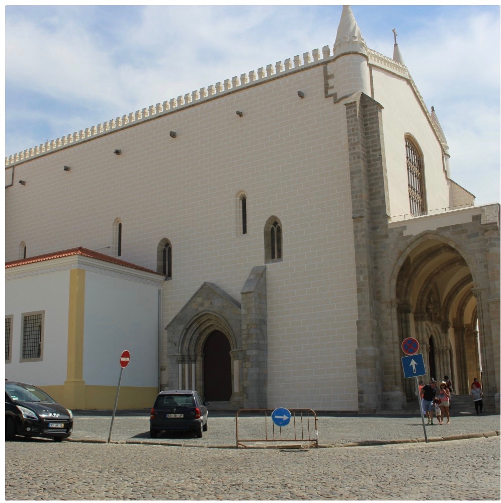 The Sao Francisco church in Evora.