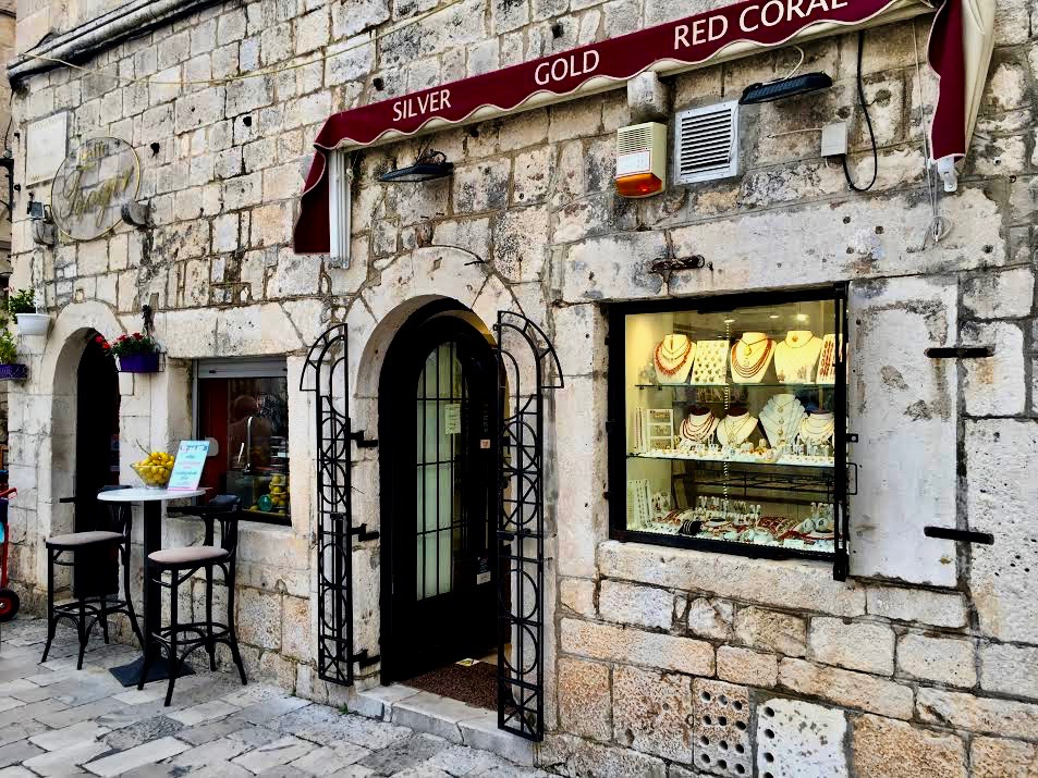 Lot's of little shops and cafes in the old part of Trogir.