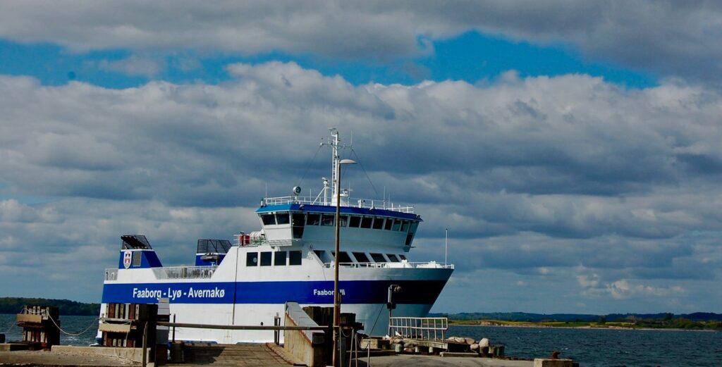 Ferry Lyø Avernakø